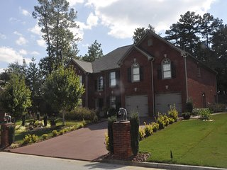 Golf Course Luxury Private Haven, Stone Mountain