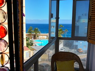 BEAUTIFUL BRIGHT COSY CHALET AT TENERIFE COAST! WF