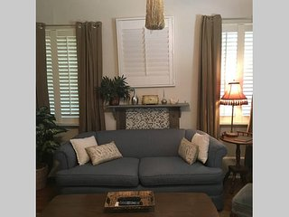 Lovely BnB in Historic Douglasville Home