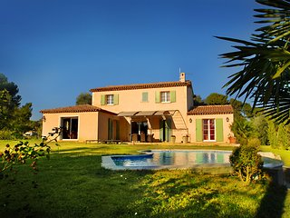 Villa provençale avec piscine près de Cannes