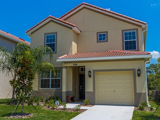 Disney Luxury Collection 5 Bed 5 Bath Pool Home, Orlando