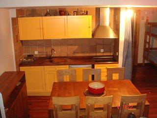 Magnífico duplex tipo loft, 3 dormitorios, 2 baños, Pradollano