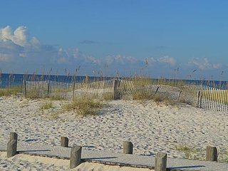 Great Rate Aug. 18-23 - Family Friendly condo Steps from White Sands - 2BR/2BA