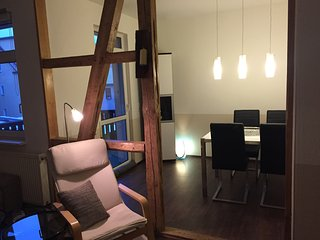 Sonnige Wohnung Nahe Zentrum free Wifi & parking