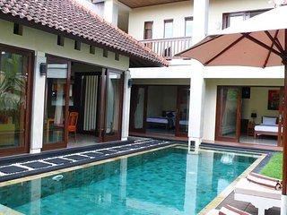Villa Citra Bali 3BDR Near Berawa Finns Beach Club