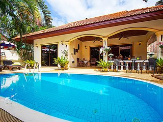 Luxurious 2 Bedroom Pool Villa - Coral Island