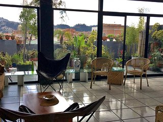 Monthly rental in historic center w/ great terrace, Cuenca