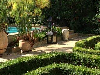 Villa de Luxe avec Jardins, piscine et cheminees