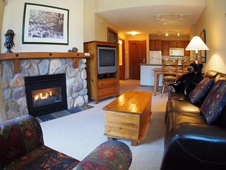 Fireside Lodge Village Center - 419, Sun Peaks