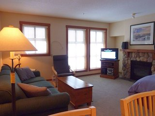 Fireside Lodge Village Center - 223, Sun Peaks