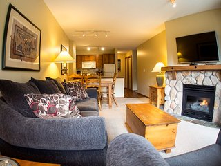 Fireside Lodge Village Centre - FS318, Sun Peaks