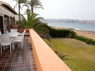 Espectacular villa frente al mar