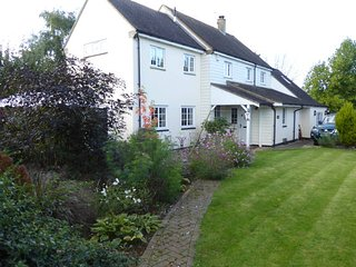 Spacious, dog friendly annex in Apricot Village, Aynho