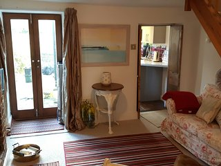 Grace Cottage, Bruton, WIFI, Sky, Parking, Garden. Week Nights 1 Night Minimum