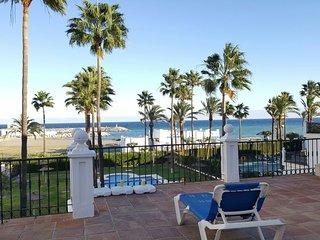 Apartamento con piscina en la playa