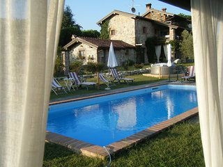In Vecchio Casale con piscina  Lago Maggiore, Veruno