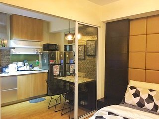 Cozy 1BR unit at Azure Urban Resorts Residences