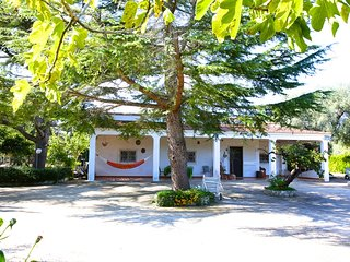 Don Ciccio - large villa - 3 bedrooms 2 bathrooms- wifi- Sea at 10', San Vito dei Normanni
