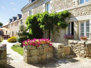 Pleasant house w/furnished garden