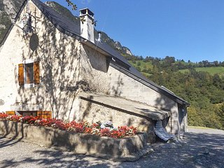 Rustic French house with terrace, Lourdios-Ichere