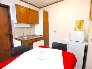 Apartment 3386