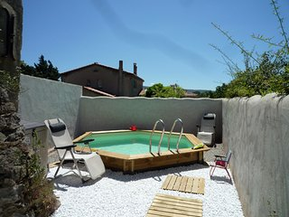 Spacious house with private pool, Saint-Couat-d'Aude
