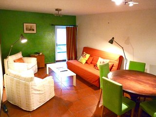 Gorgeous, 3-bedroom apartment in Popiglio with access to a verdant garden and mountain views!