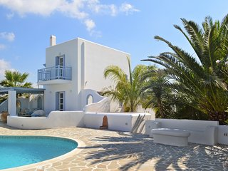 Gorgeous villa in sunny Naxos featuring multiple terraces and a pool - 250m from the beach!, Kastraki