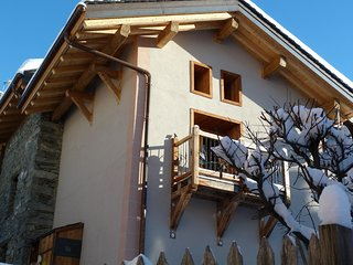 Luxury Stone Chalet in charming ski village, Saint-Martin-de-Belleville