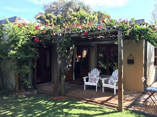 Charming Garden Cottage in the heart of Noordhoek