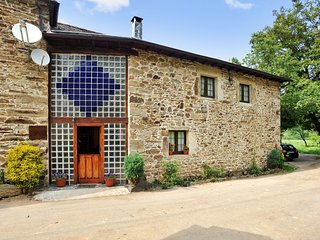 Casa Rural Madreselva - Comfortable, 4-bedroom house in Tineo with a terrace and mountain views!