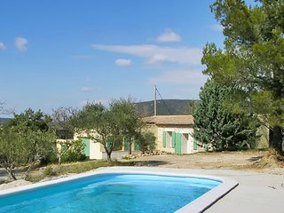 Country house in the Var, Provence, with 4 bedrooms, Wi-Fi, pool and 6000 sqm garden!, La Verdiere