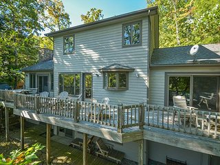 Expansive decks with lake views, plus a convenient location!