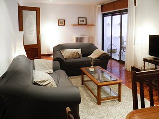 Comfortable, 2-bedroom apartment with a terrace in a quiet neighborhood near the centre of León!