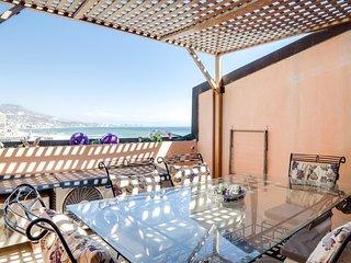 Beautiful 2 bedroom apartment with huge terrace overlooking sea