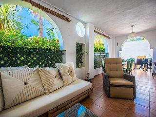 Azalea Beach Apartment in Puerto Banus, Marbella