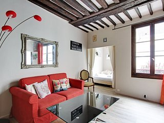 Charming One Bedroom Grégoire de Tours St Germain
