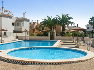 Bright house with swimming pool