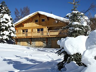 Chalet with 6 rooms in Les 2 Alpes, with wonderful mountain view, balcony and WiFi