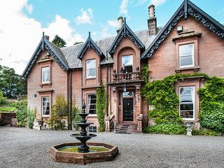 Wonderful, 7-bedroom Victorian mansion in Scotland with 7.6 acre garden and beautiful parkland views, Moffat