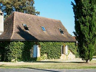 Amazing house in Aubas & Wifi