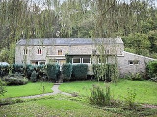 Charming stone house located in the most beautiful village of Ardennes with tiled terrace and WiFi!, Comblain-au-Pont