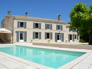 Gorgeous 4-bedroom villa in Saint-Georges-du-Bois with a heated pool, large garden and furnished terrace!