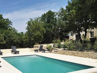 Terres en Provence – Charming house in Venasque with a swimming pool access and a furnished terrace