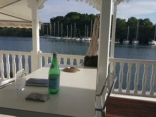 Superbe F4 à la marina avec jacuzzi & accès bateau