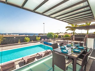 Luxury Villa sleeps 14 with sea view terrace