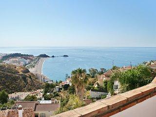 Beautiful house w/ sea views & pool