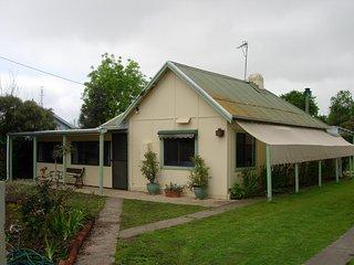 Grace Cottage - Normanville W15