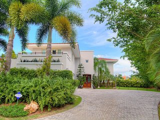 5 Bedrooms, 6.5 Bathrooms, Private Pool, Dorado