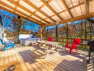 Chattanooga vacation rentals 'The Shed', deck, hot tub, 18 miles to downtown